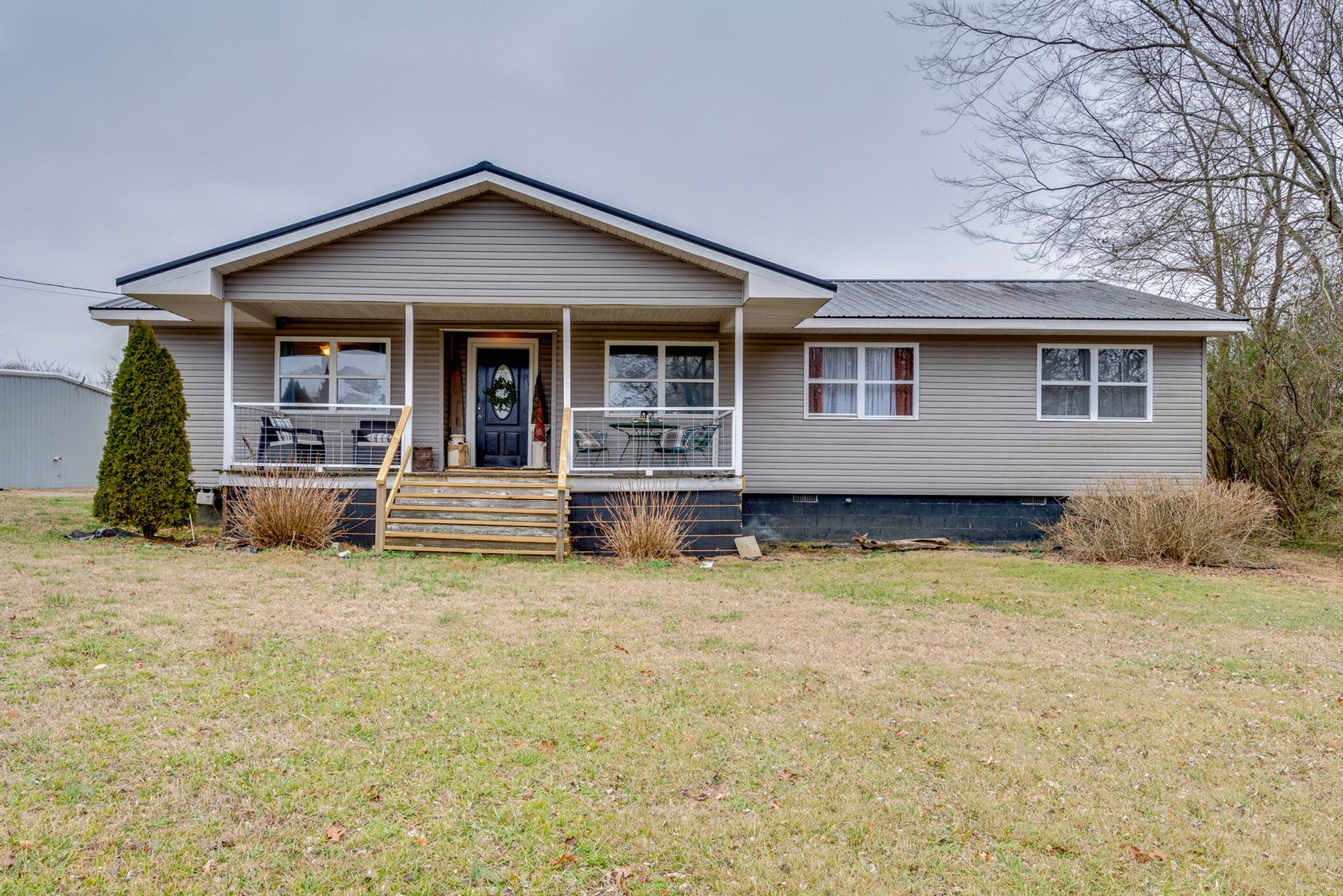 Home in Town Situated on Acreage Lot in Hohenwald, TN