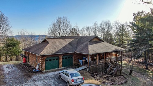 Log Home for Sale in Riner VA!