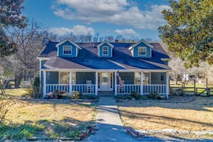 HUNTING RIVERFRONT FARM FOR SALE IN BELVIDERE TENNESSEE