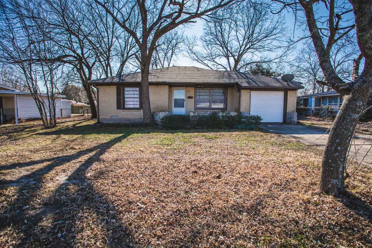 Mature Treed lot in town, 3 bedroom, under $100k