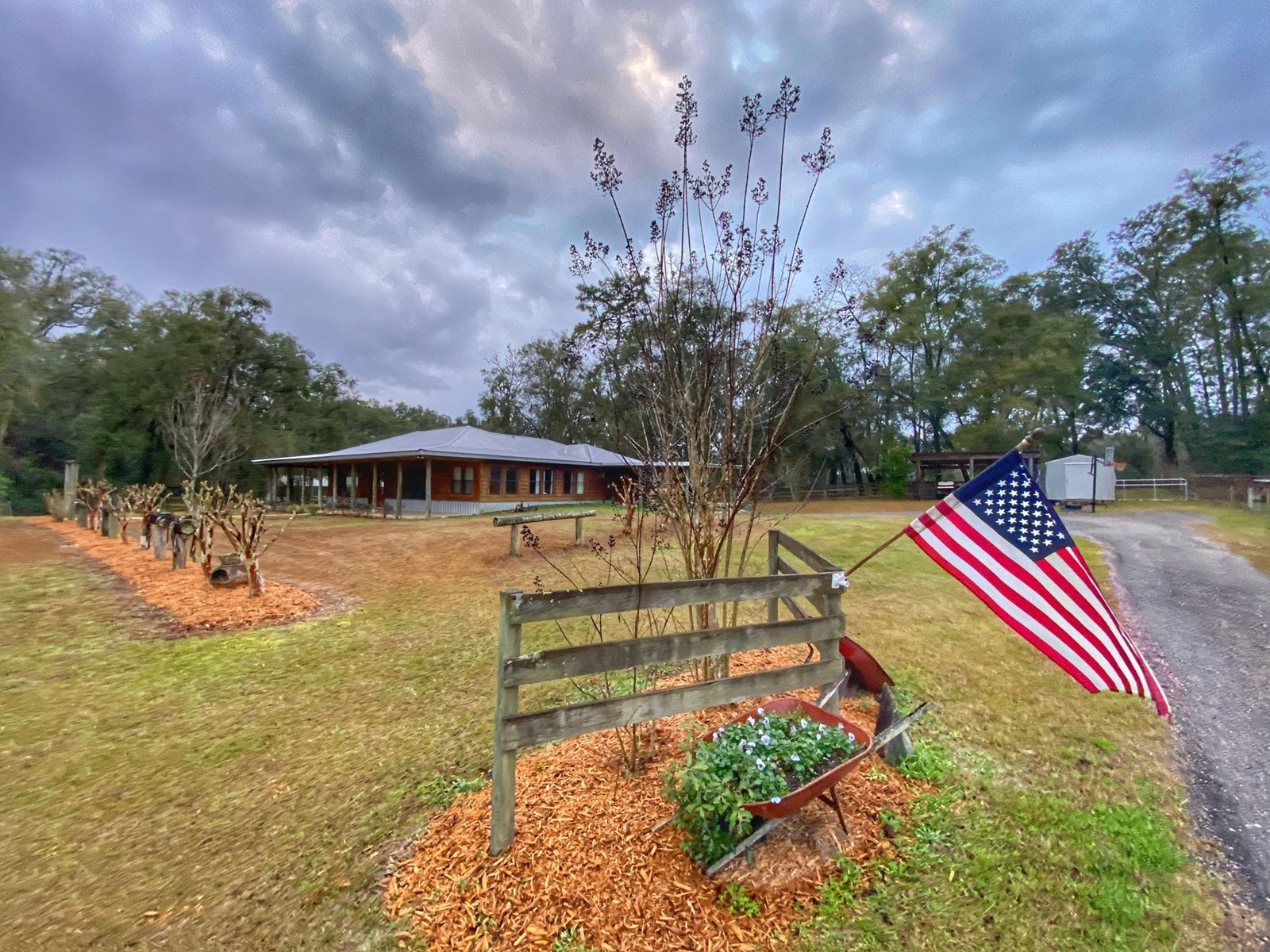 COUNTRY ELEGANCE IN NEWBERRY FLORIDA!