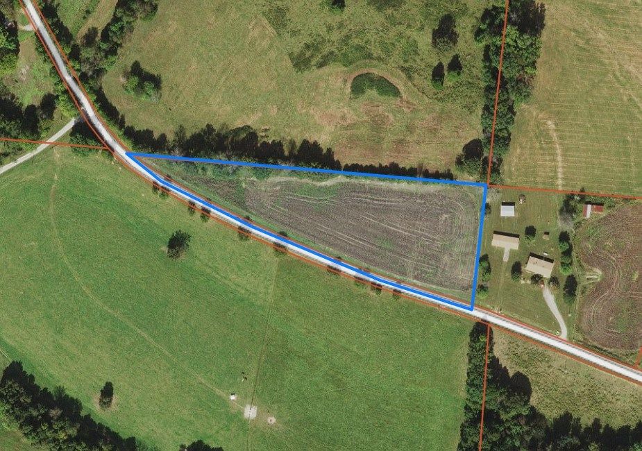 LAND FOR SALE IN LORETTO TENNESSEE WITH CITY WATER