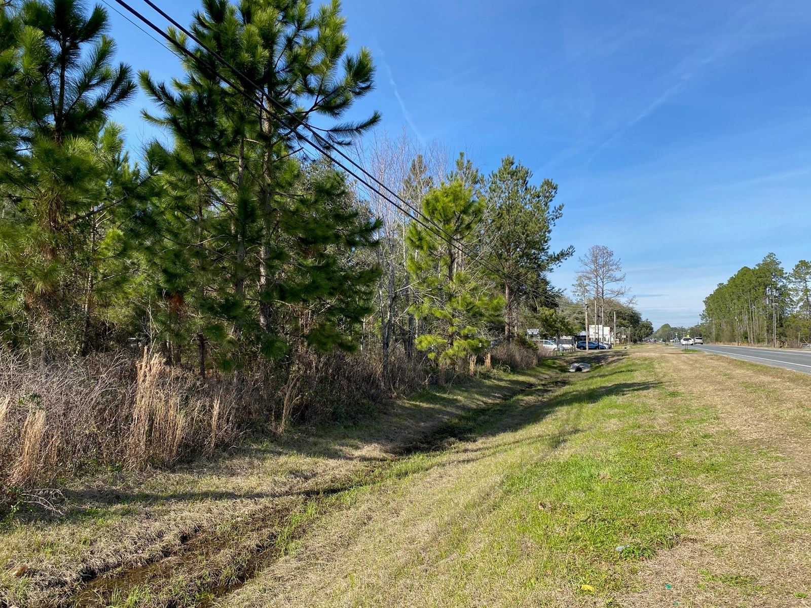 NICE 1.81 ACRE ZONED COMMERCIAL ON HWY 129 IN LIVE OAK,  FL