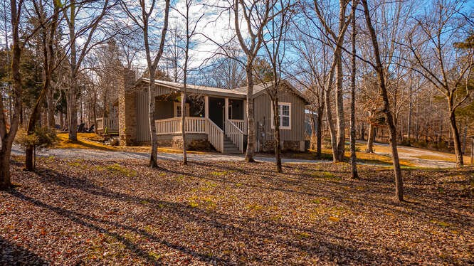 Cabin For Sale in Middle Tennesse