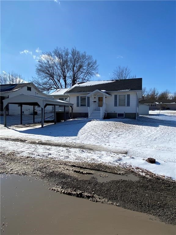 Very Nice Move In Ready Home On 2 Lots, Must See!