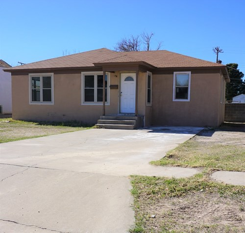 4 Bedroom 2 Bathroom Home for Sale in Fort Stockton, TX