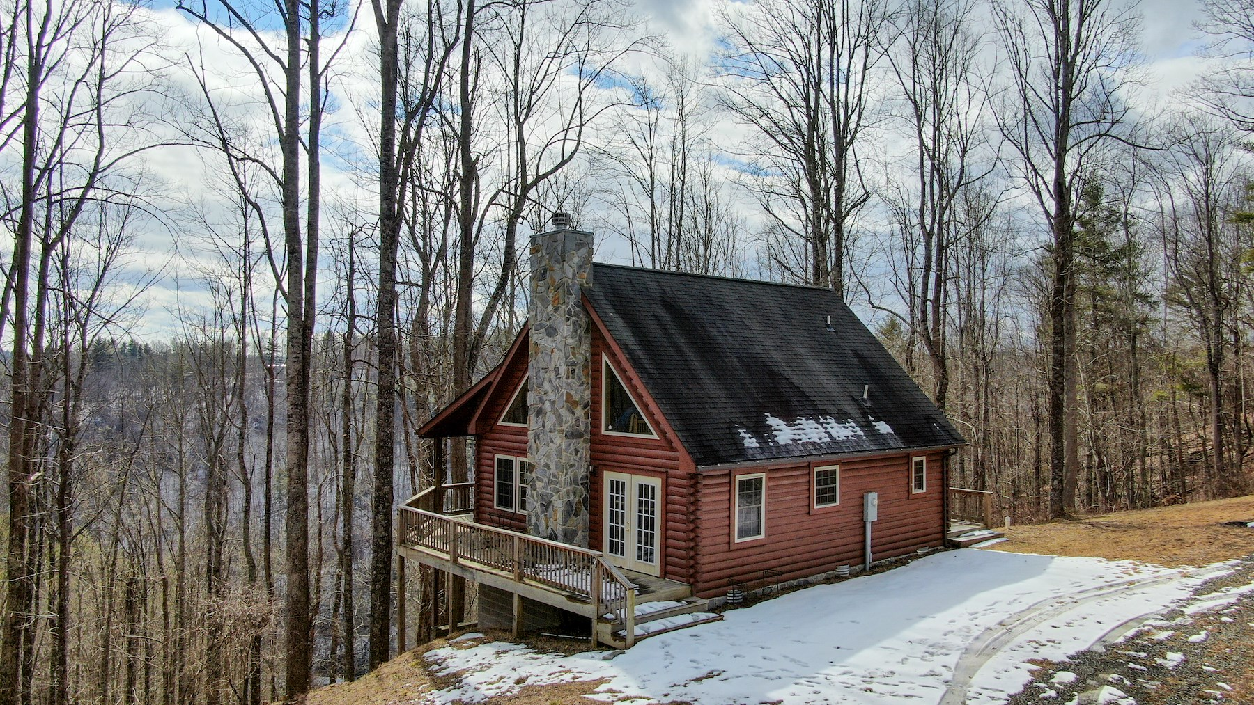 Log Home for Sale in Dugspur VA with Creek Frontage!