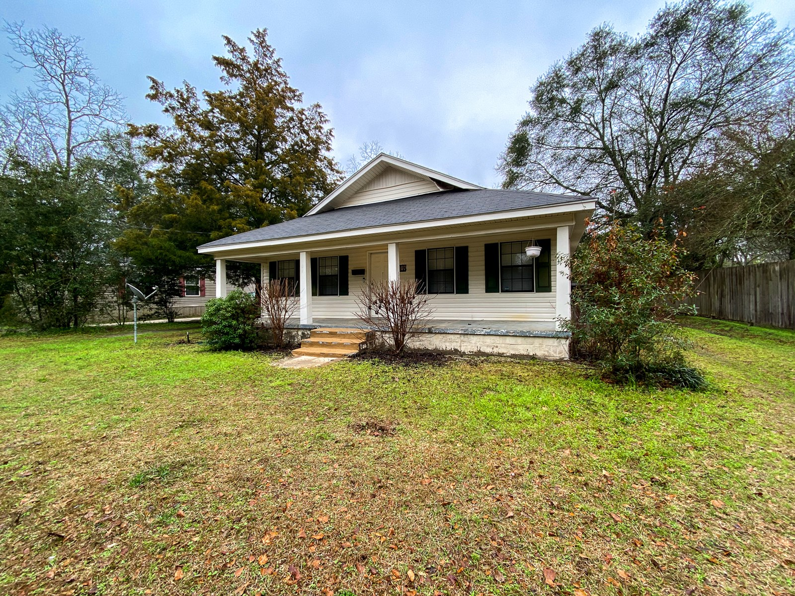 Starter or Investment Home for Sale in Town Geneva, AL