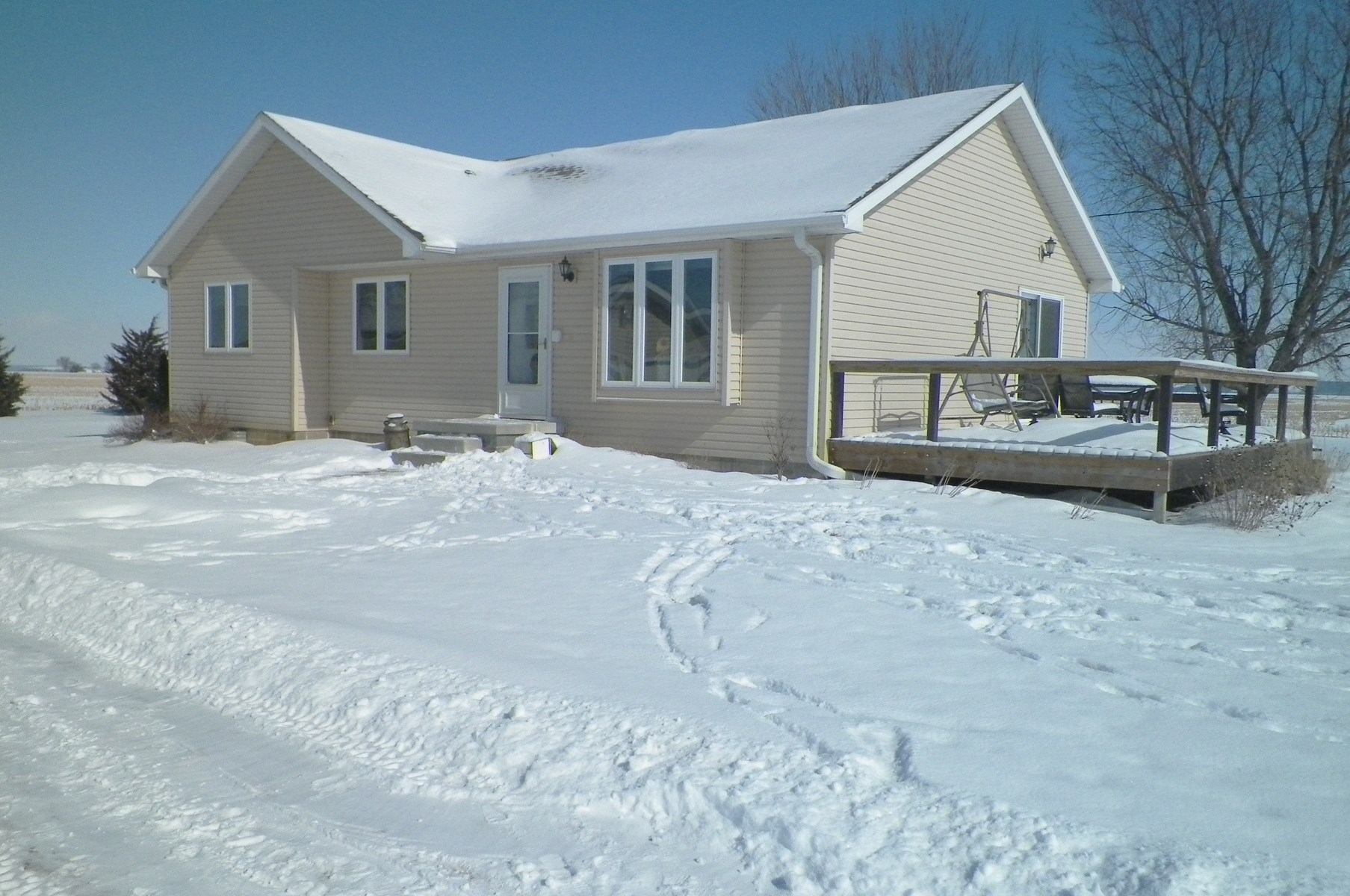 MOVE IN READY ACREAGE FOR SALE IN HARRISON COUNTY, IOWA
