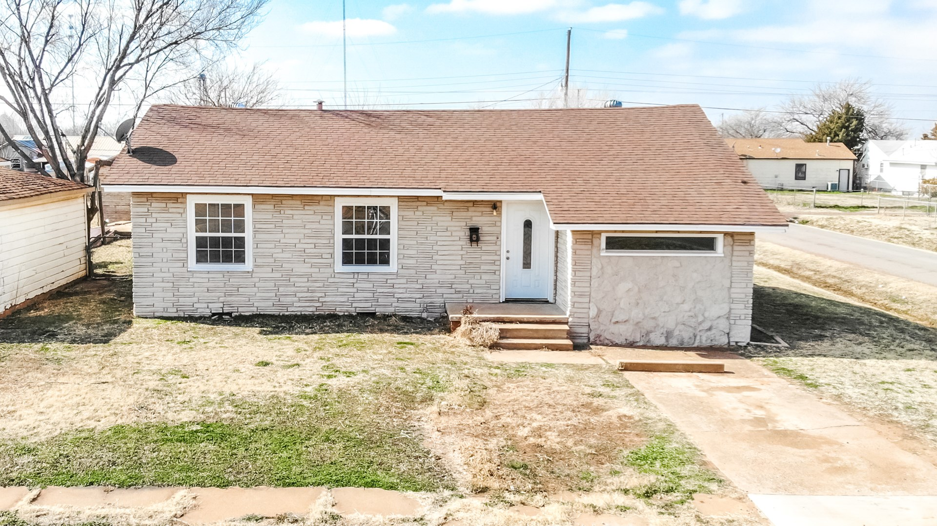 Newly renovated 2 bedroom 1 bath home in Altus OK