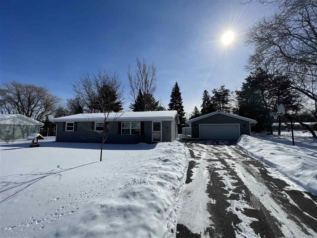 Ranch Home For Sale in Waupaca, WI