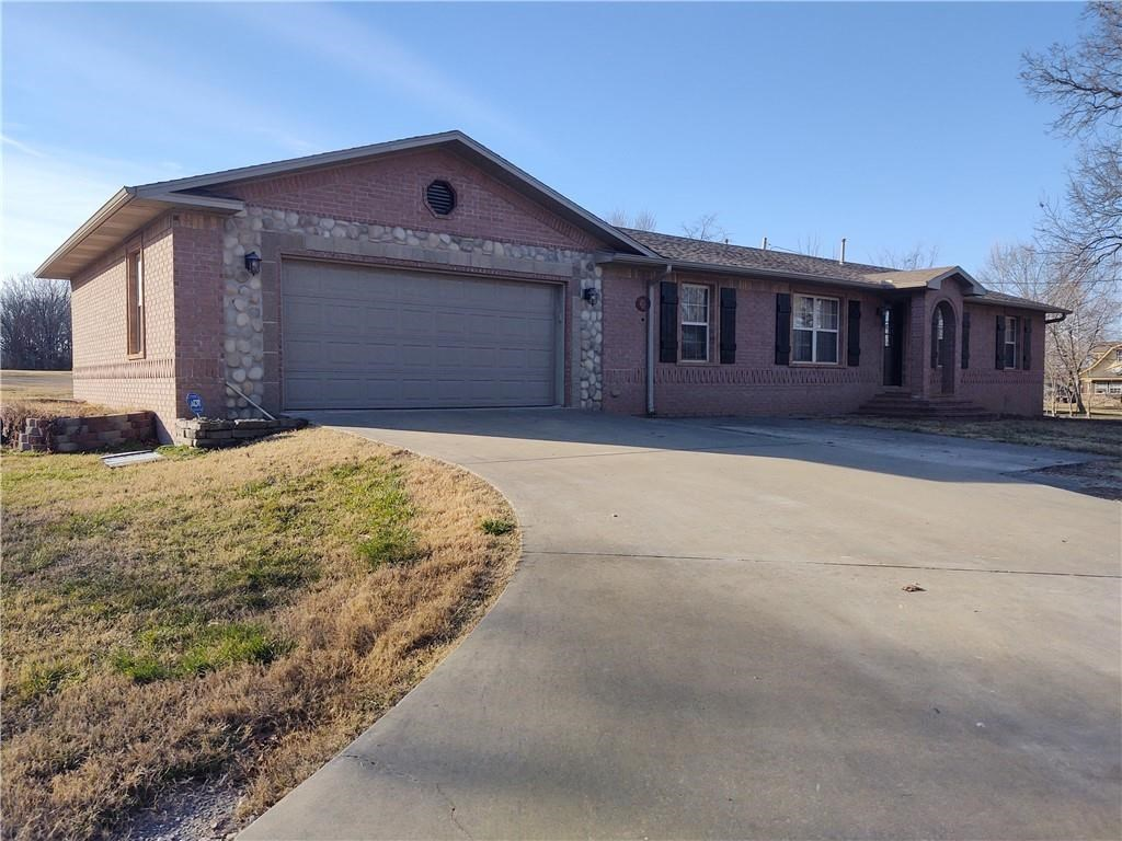 Home on 2 acres for sale in Garfield, Arkansas