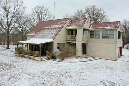 3 Bedroom home on 280 Acres outside of Salem! Working Farm!