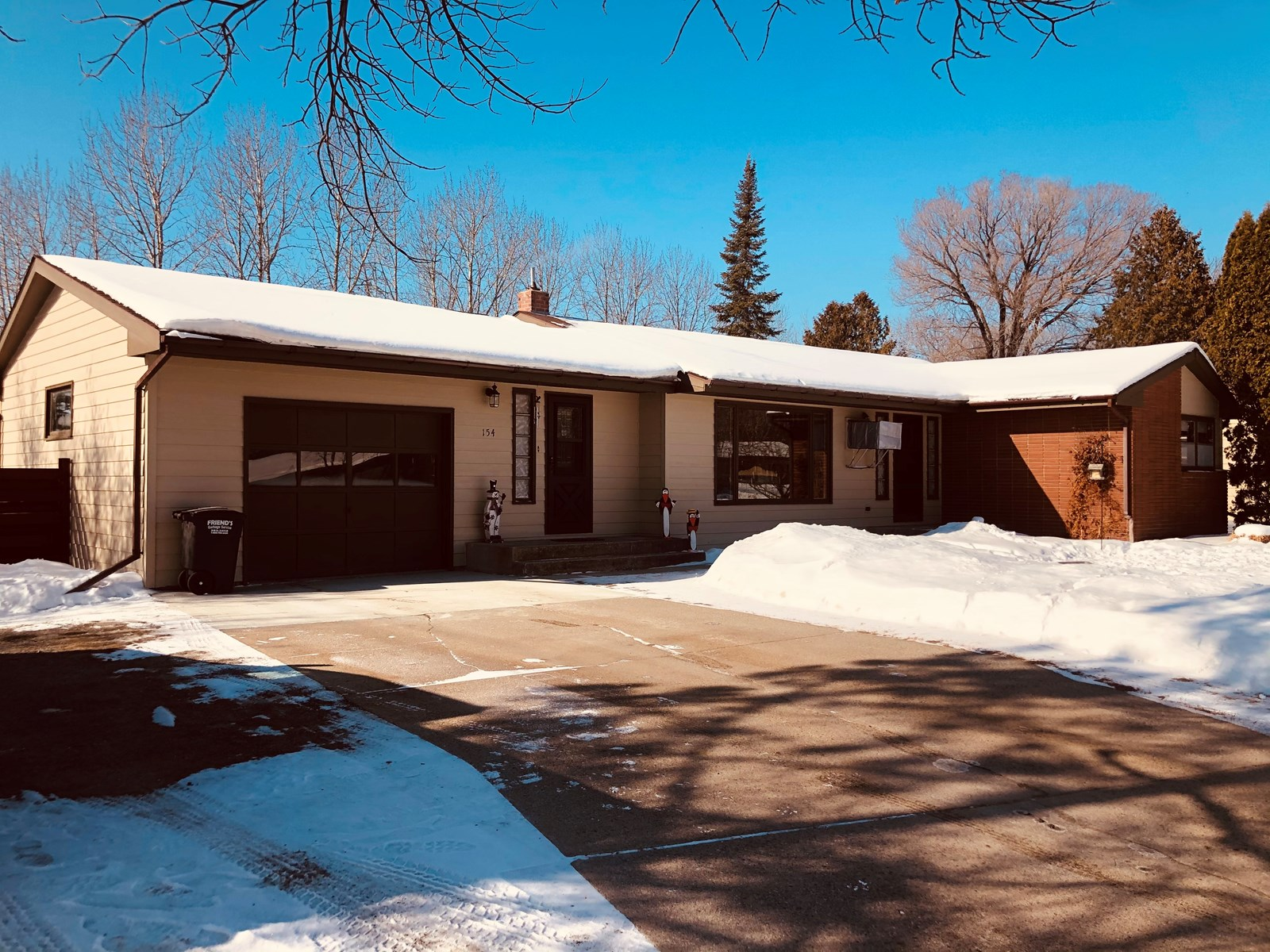 Home in town for sale in Int'l Falls MN