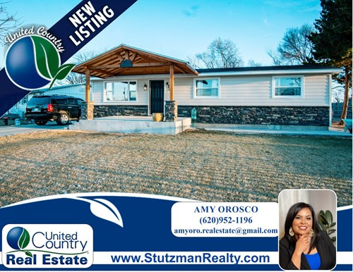 Completely Remodeled-6 Bedroom Home in Town