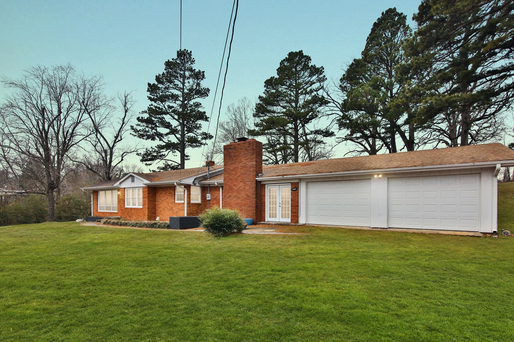 Home for Sale In Thayer MO with Guest House