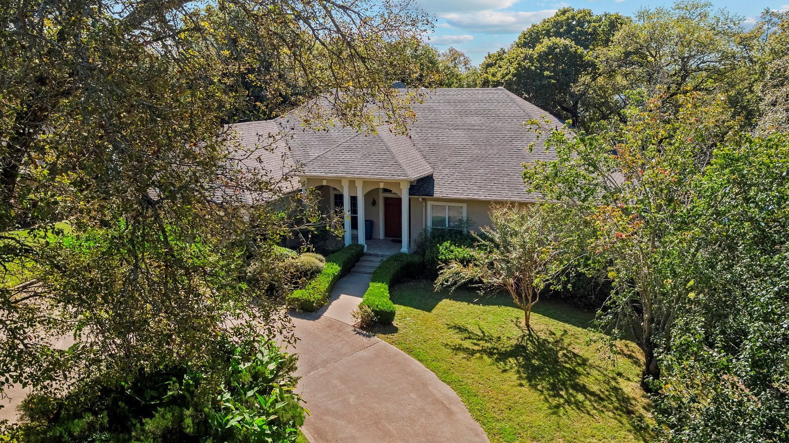 WATERFRONT HOME FOR SALE ON LAKE TYLER | EAST TX REAL ESTATE