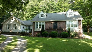 CHARMING CAPE COD STYLE HOME FOR SALE IN NICKELSVILLE VA