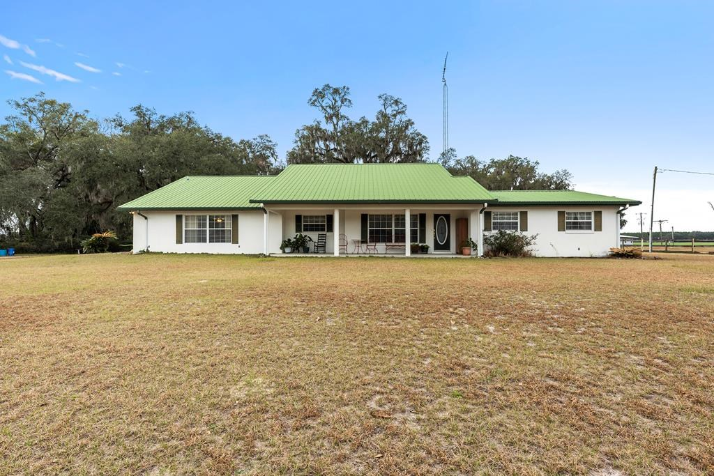 BEAUTIFUL HOMESTEAD ON PAVED ROAD IN DIXIE COUNTY, FL!