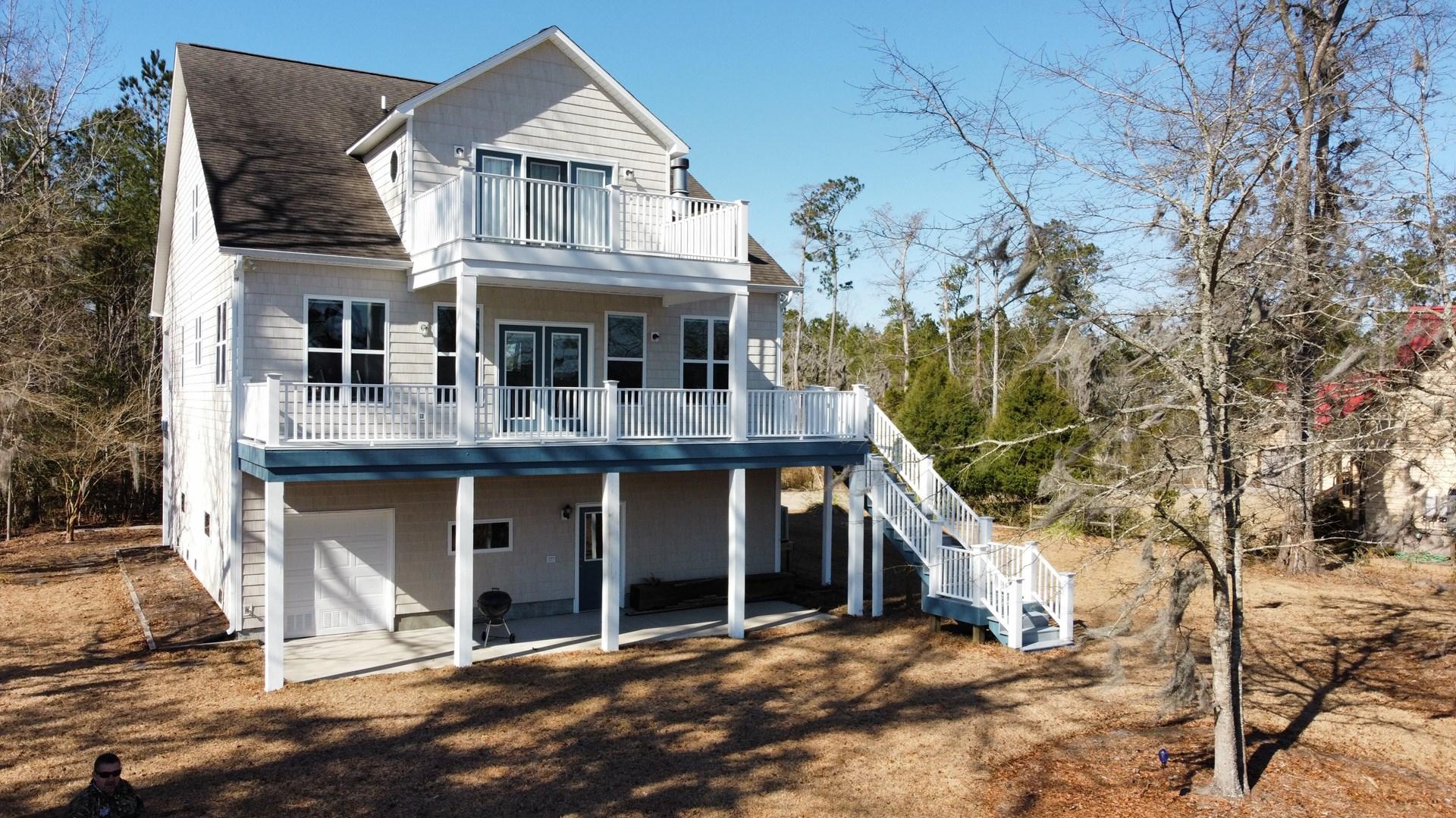 Waterfront home in Coastal North Carolina
