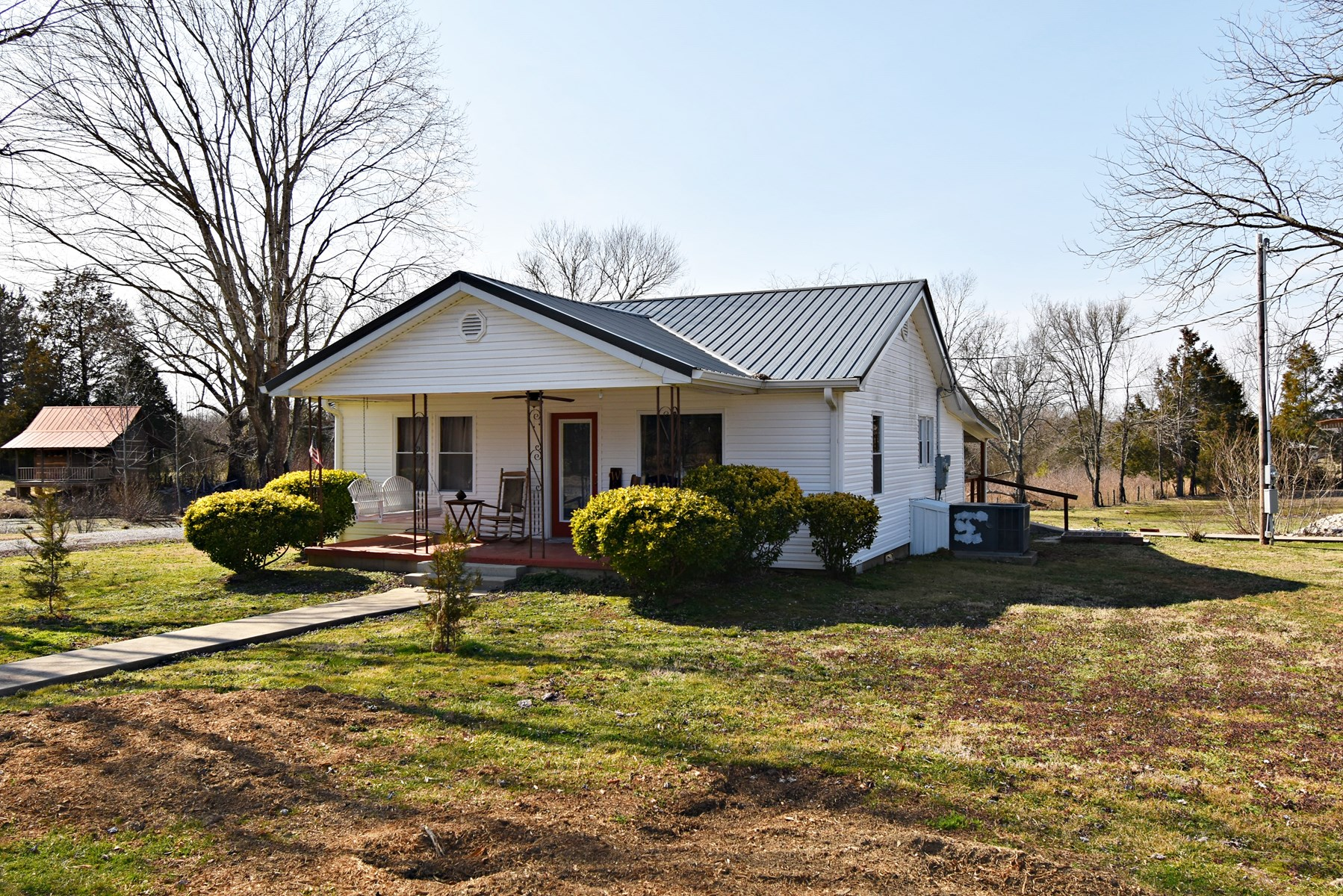 Country Home For Sale in Tennessee