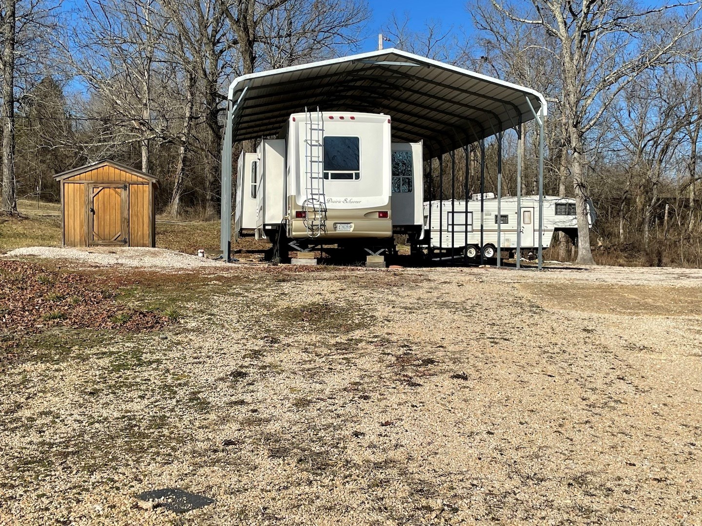 RV HOOKUP SITE LOCATED IN EMINENCE MO