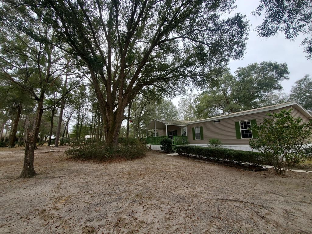 Beautiful home for sale Bronson, FL 1 acre Fenced yard