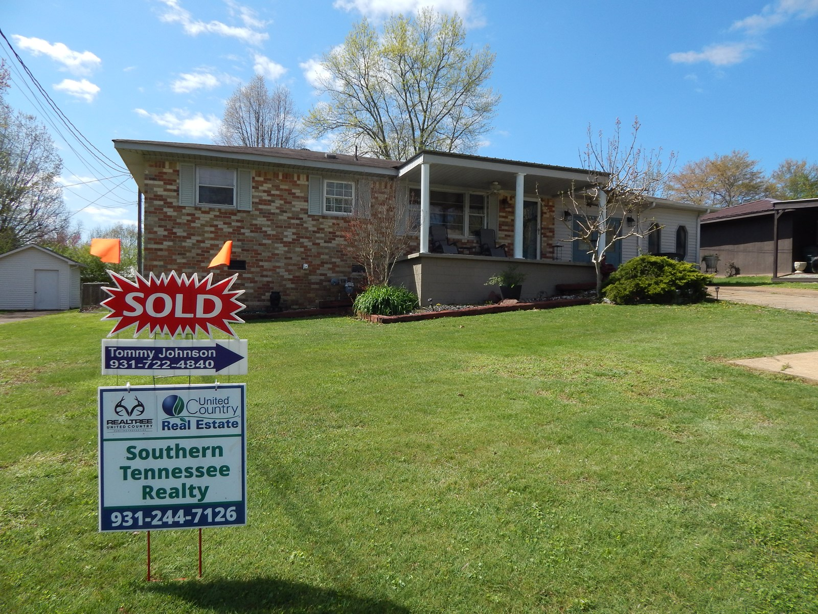 COLLINWOOD, TN. HOME FOR SALE!!