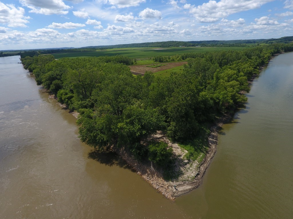 Recreation & Income from CRP, River Frontage Two Sides