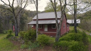 3 BR, 1 BA HOME ON 60 ACRES FOR SALE IN TAZEWELL, TN