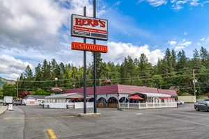 TURNKEY RESTAURANT & BAR FOR SALE IN JOSEPHINE COUNTY, OR