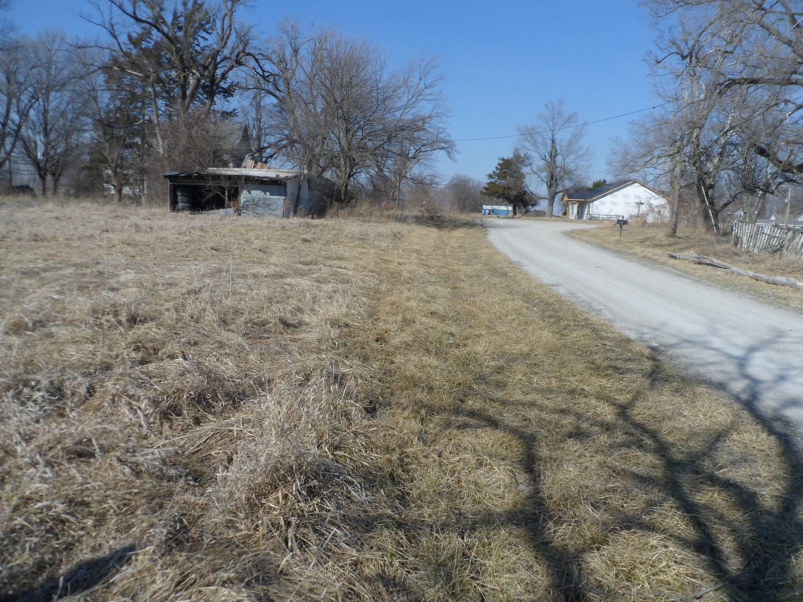 2+ ACRES FOR SALE IN OSBORN MO