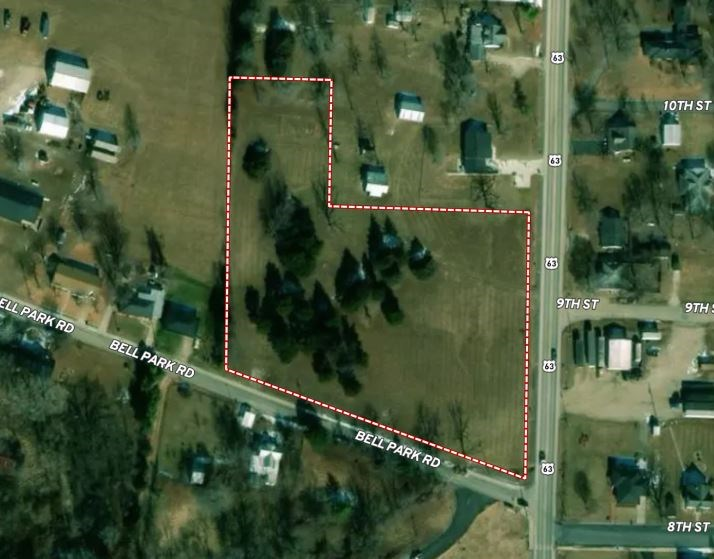 Lot for Sale in City Limits of Vienna, Highway Frontage