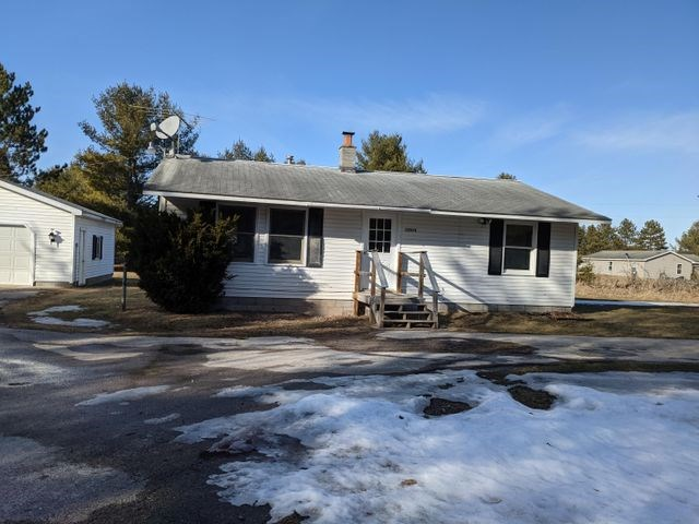House for sale on One Acre in Altanta MI.