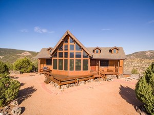 COLORADO LUXURY HUNTING RANCH HOUSE BORDERS PUBLIC LAND
