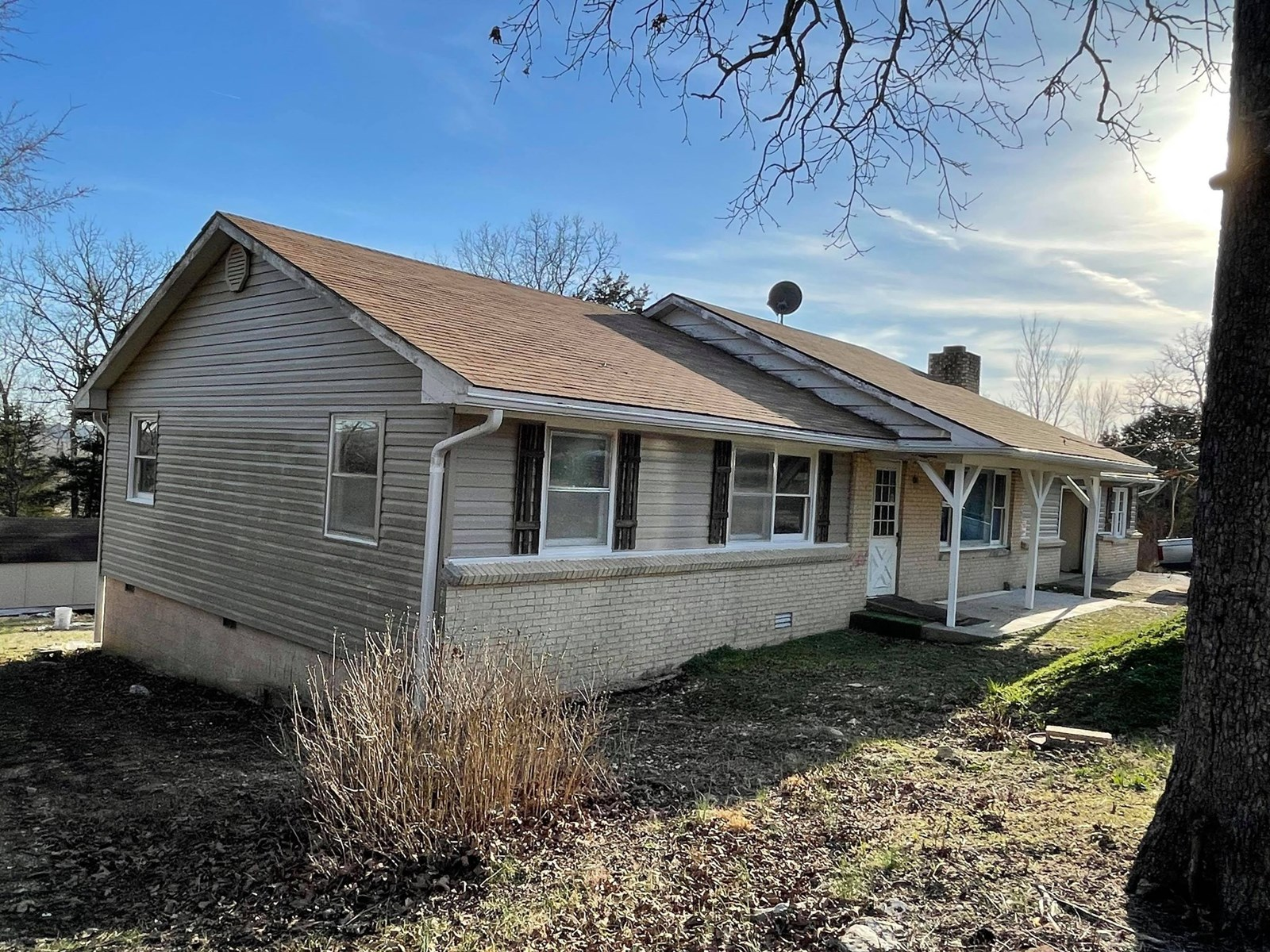 Fixer upper house for sale in Ozark County Mo
