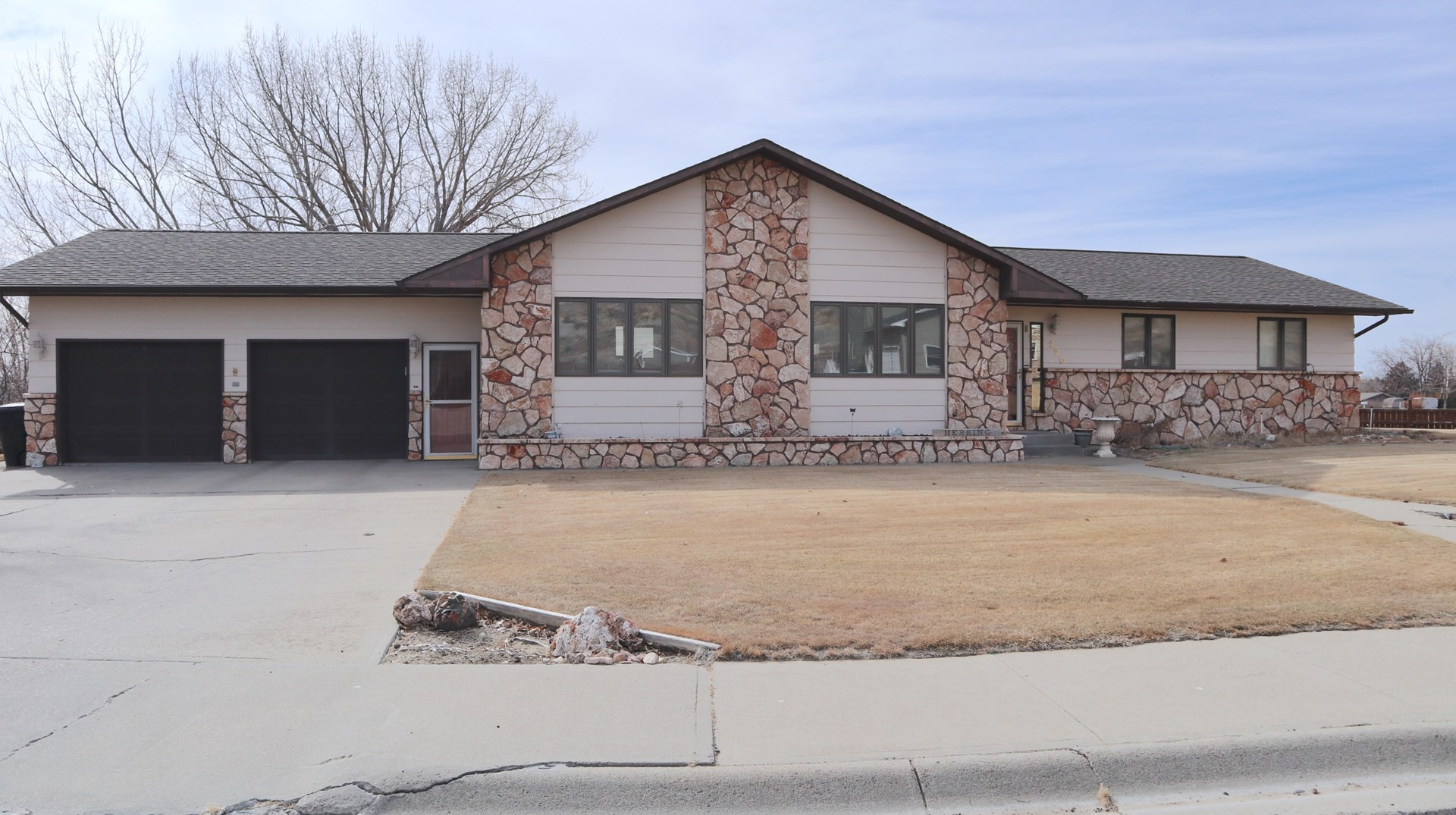 Beautiful Home For Sale in Georgetown Estates, Glendive MT