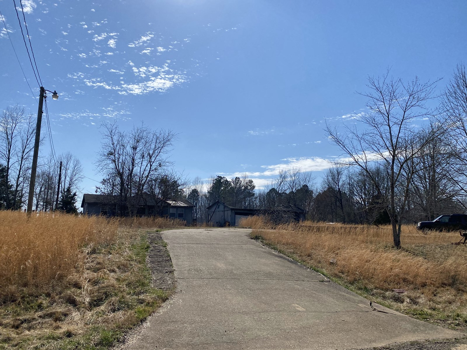 LAND FOR SALE IN TN, WATER, ELECTRICITY, SEPTIC, & OLD HOME