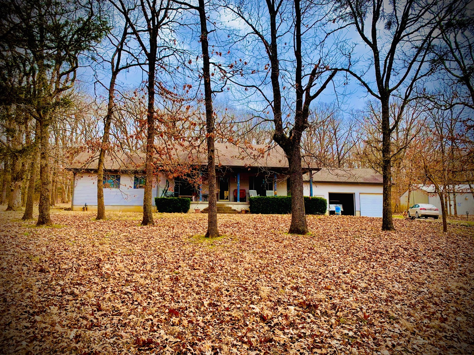 Country Home and Acreage For Sale in St. Clair County MO