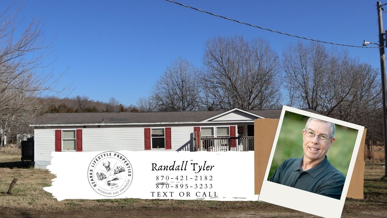 Country Home and Acreage for sale near Salem Arkansas