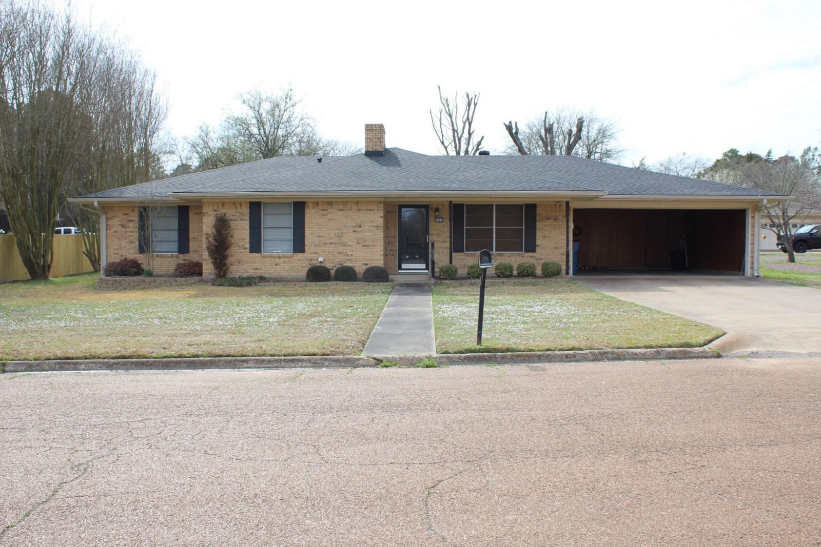 3/2/2 BRICK HOME WINNSBORO, TEXAS WOOD COUNTY WISD EAST TX