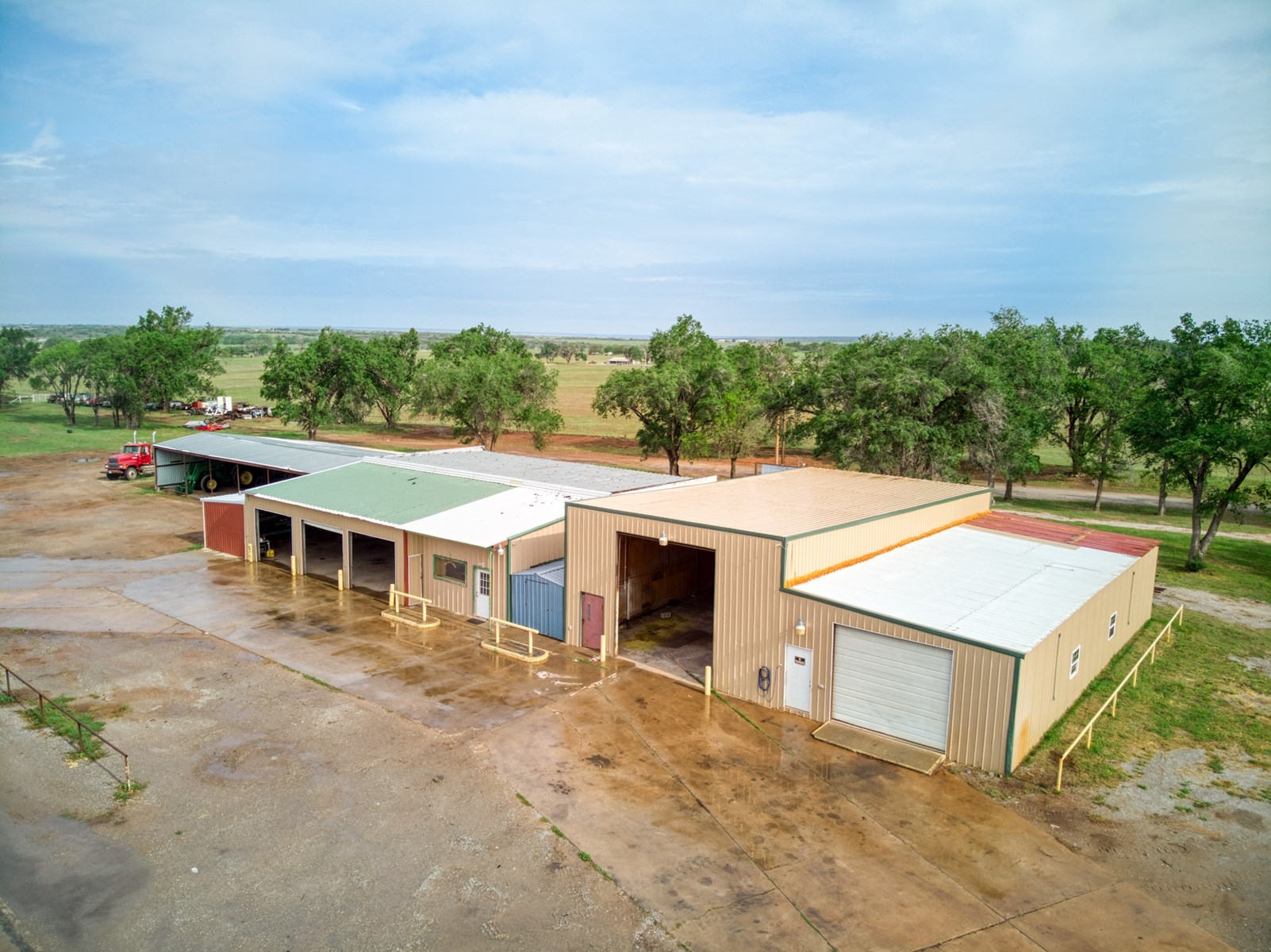 COMMERCIAL PROPERTY FOR SALE BECKHAM CO
