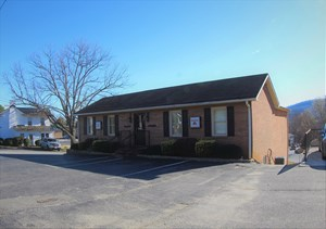 COMMERCIAL BUILDING - WITH APARTMENT -PATRICK CO, VIRGINIA