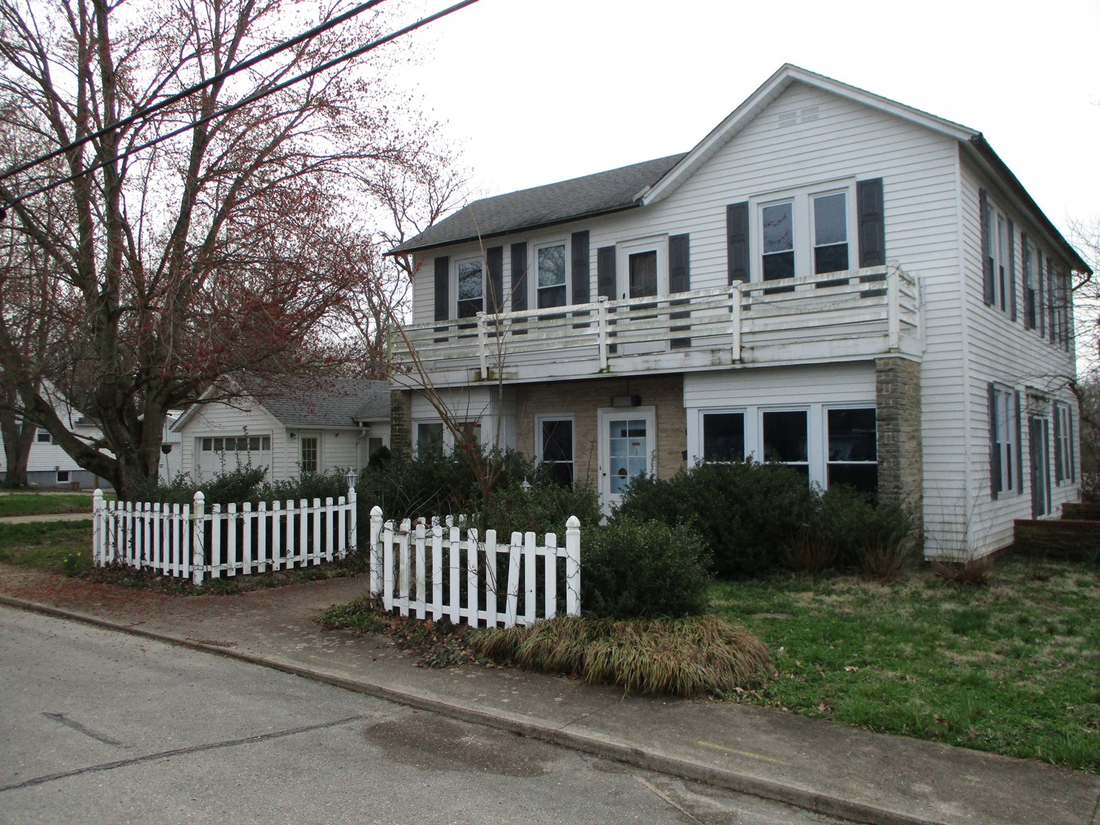 Looking for a Fixer Upper?  This 3 bedroom home is for you!