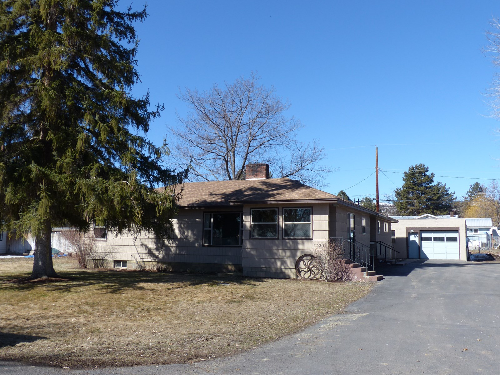 Beautiful 4 bedroom home in Hines, OR