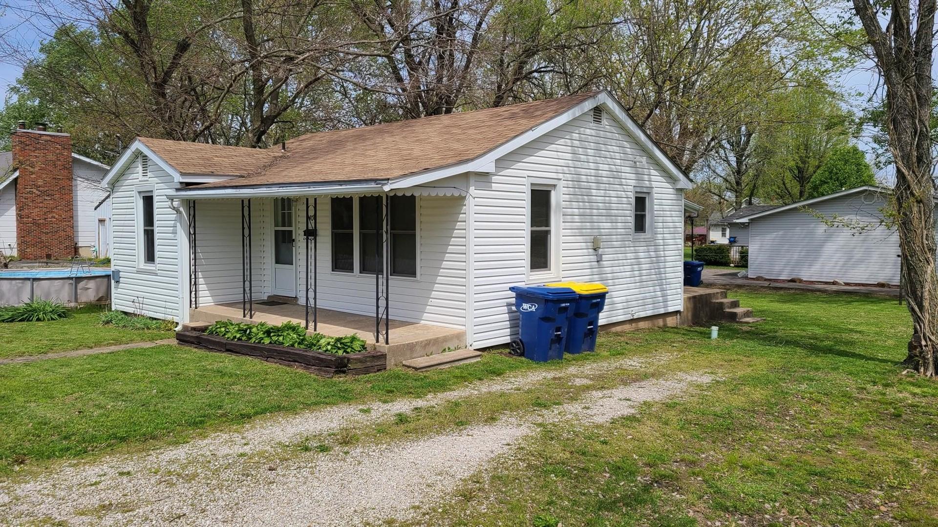 2 Bedroom home on corner lot!  Great Starter Home or Rental