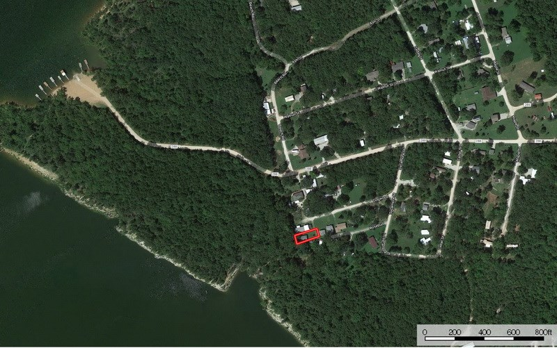 Lake House on Pomme de Terre Lake in Hickory County For Sale