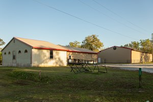 LAFAYETTE COUNTY MANUFACTURING BUSINESS & WAREHOUSE FOR SALE