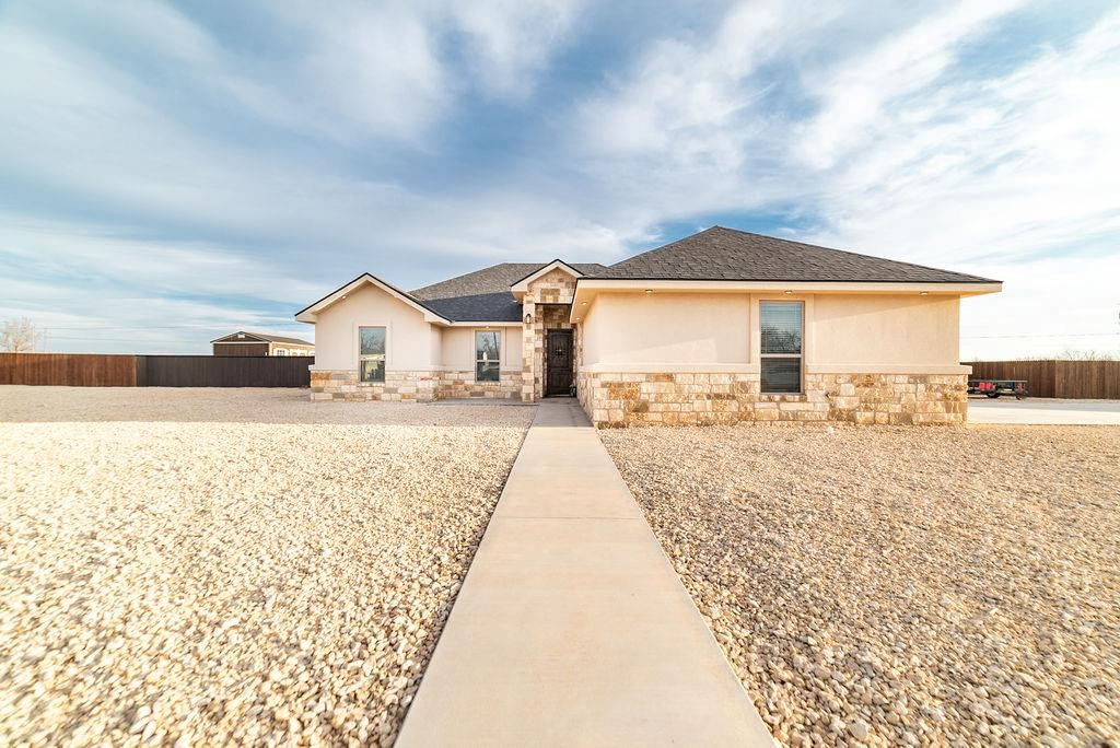 HOME FOR SALE IN COAHOMA