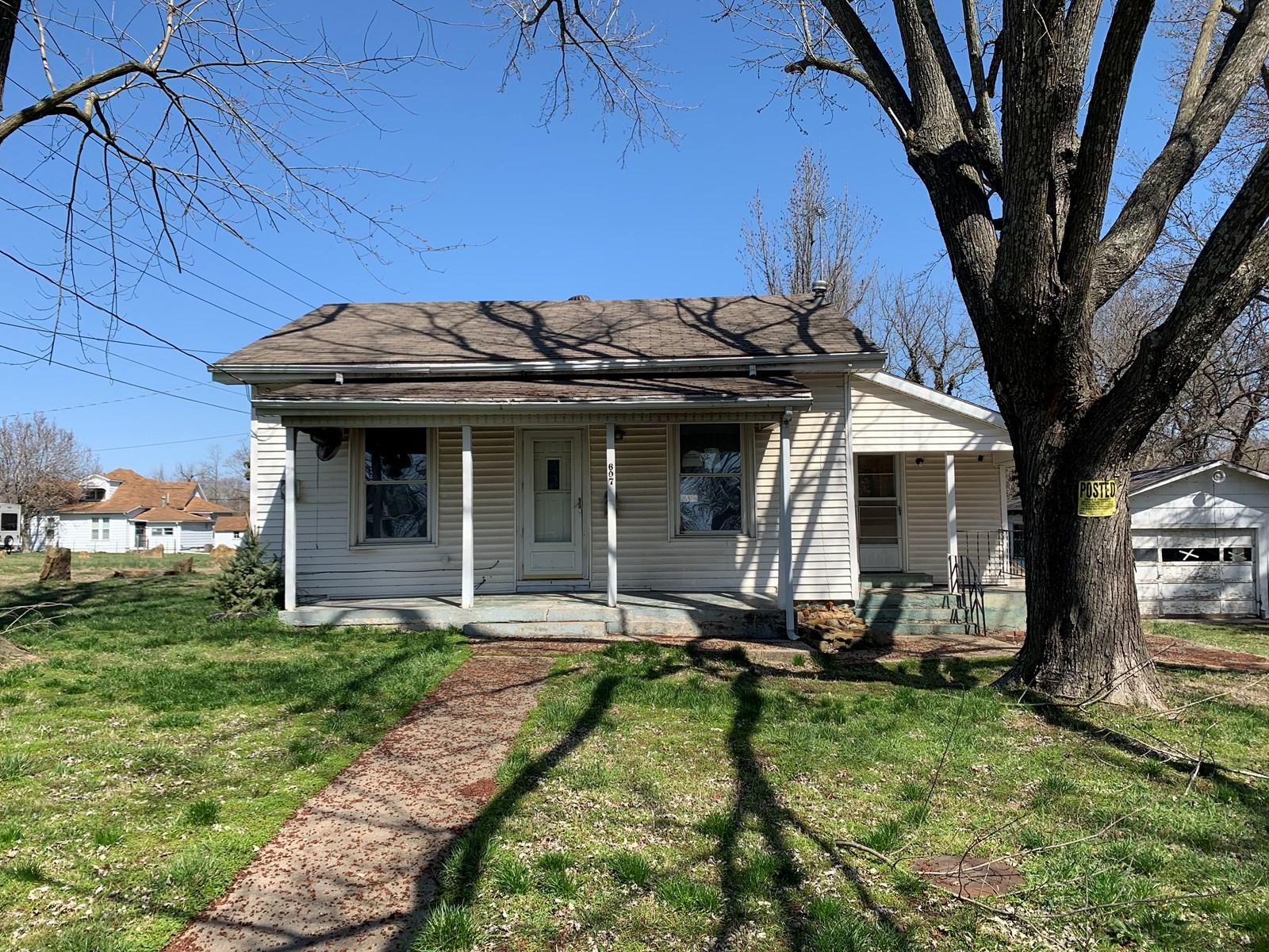 El Dorado Springs Missouri Home in Town for Sale